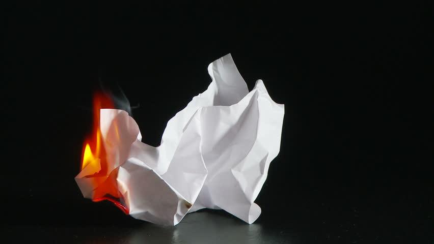 Гадание на Святки: сжигание бумаги