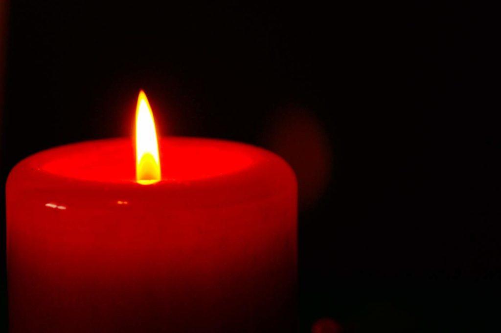 Гадание на себя со свечой