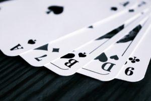 Трактовка повторяющихся карт в гадании на игральных картах